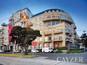 302/88 Beach Street, Port Melbourne, Vic 3207