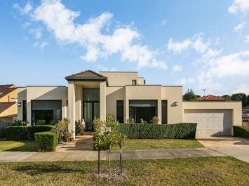 2 Redfield Court, Wheelers Hill, Vic 3150