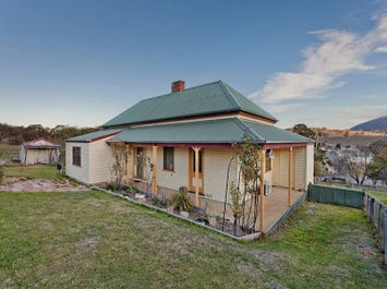 Tenby Cottage/111 Day Avenue, Omeo, Vic 3898
