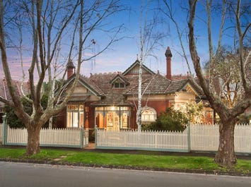 Malvern East, address available on request