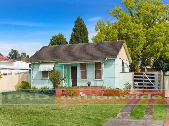 4 Hodgkinson Crescent, Panania, NSW 2213