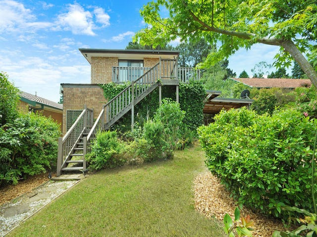 9 St Georges Parade, Wentworth Falls, NSW 2782