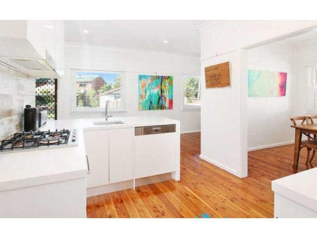 32 BURSILL STREET, Guildford, NSW 2161