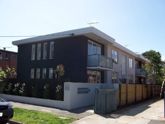 1/44 Wave Street, Elwood, Vic 3184