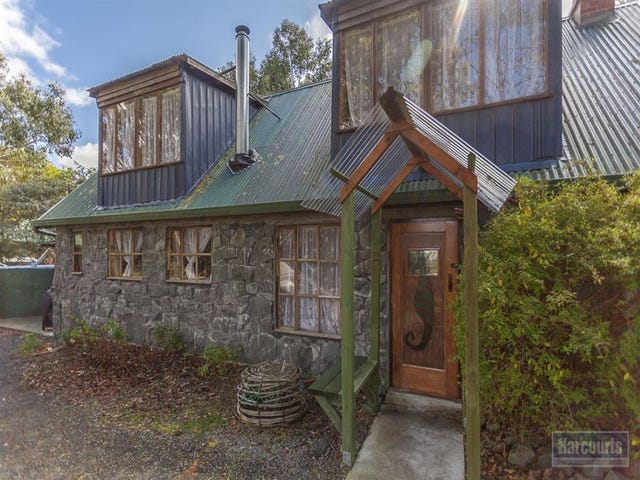 35 Flakemores Road, Eggs And Bacon Bay, Tas 7112