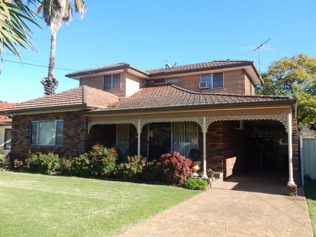 28 Cockburn Crescent, Fairfield East, NSW 2165