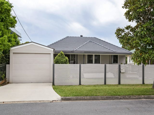 19 Bailey Street, Woody Point, Qld 4019