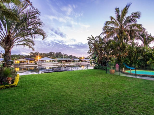 156 Tahiti Avenue, Palm Beach, Qld 4221
