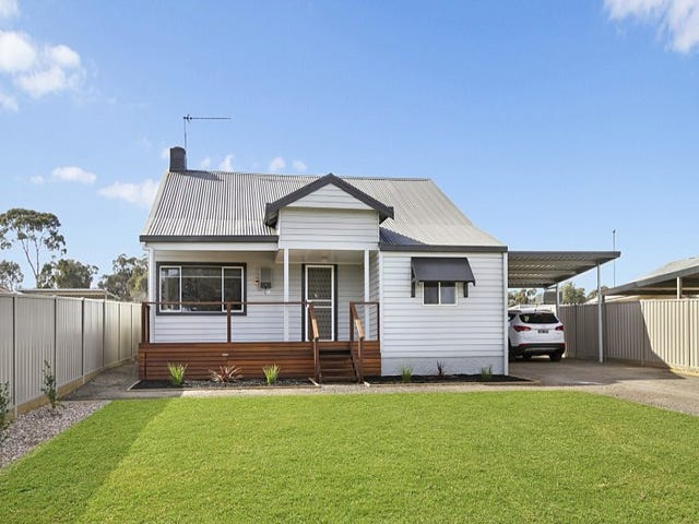 274 Woodward Road, Golden Square, Vic 3555