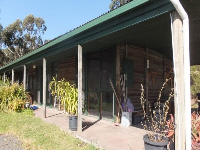 Badger Creek, address available on request