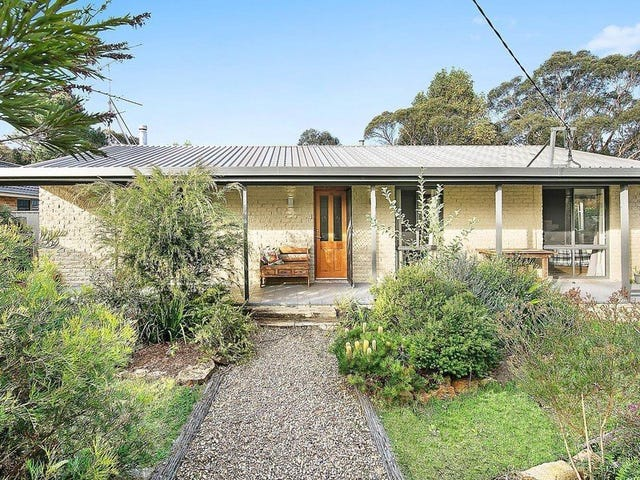 6 Maple Grove, Wentworth Falls, NSW 2782