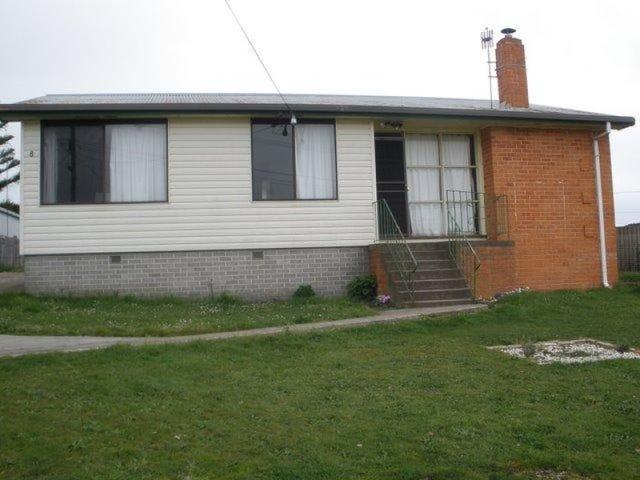 8 Pineleigh Street, Penguin, Tas 7316