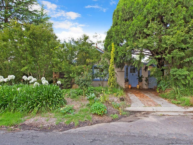 58 McLaughlin Avenue, Wentworth Falls, NSW 2782