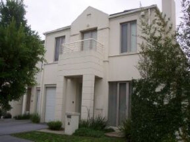 63 Beacon Vista, Port Melbourne, Vic 3207