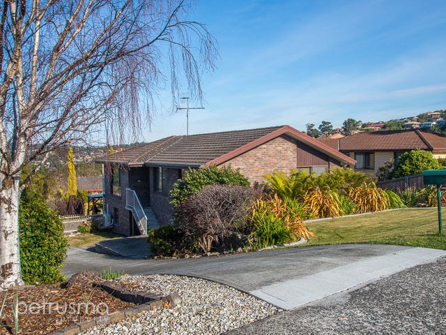 4 Stirling Avenue, Blackmans Bay, Tas 7052