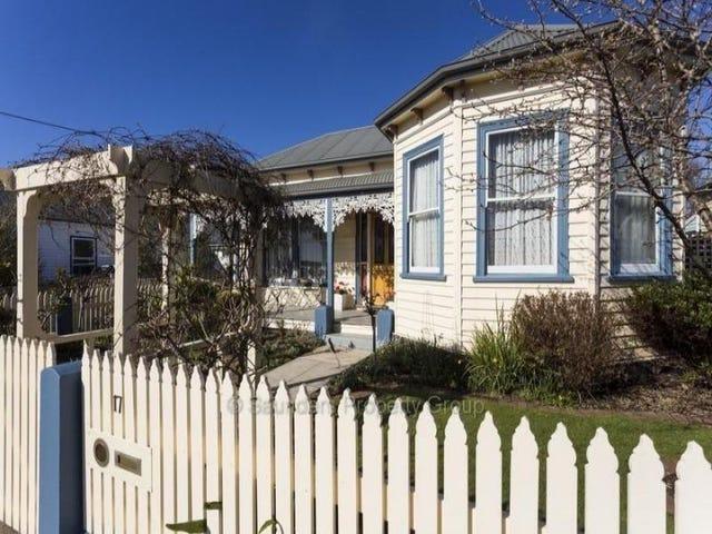 17 Turton Street, Devonport, Tas 7310