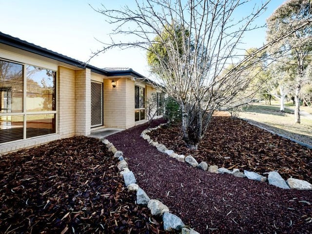 8 Donald Place, Gilmore, ACT 2905