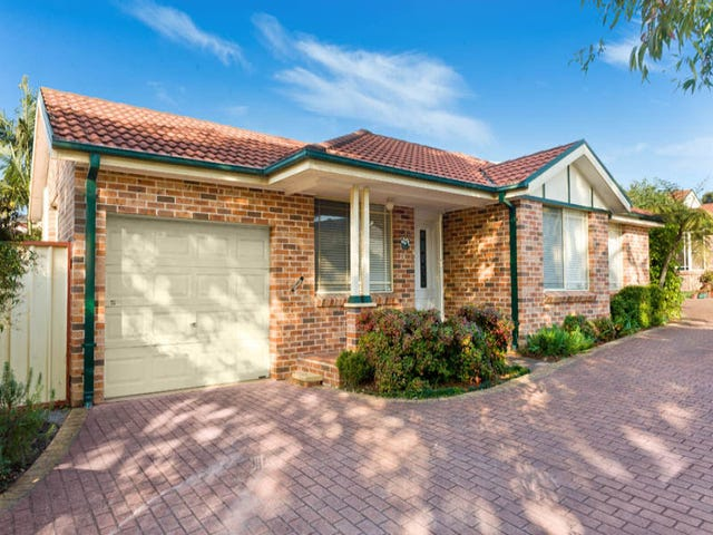 61 Maclaurin Avenue, East Hills, NSW 2213