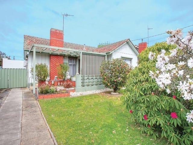 12 Boronia Grove, Wendouree, Vic 3355