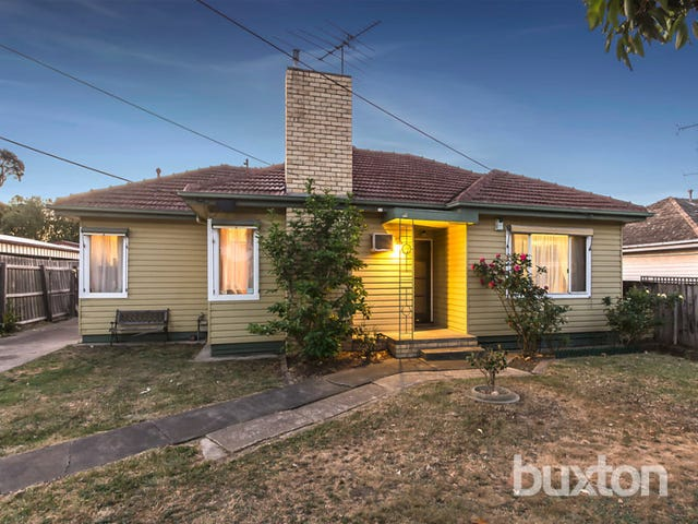 18 Sladen Street, Hamlyn Heights, Vic 3215