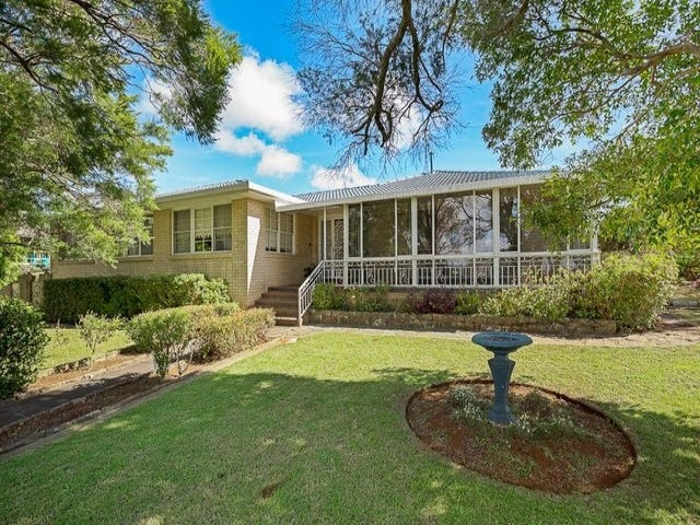 65 Mackenzie Street, Mount Lofty, Qld 4350