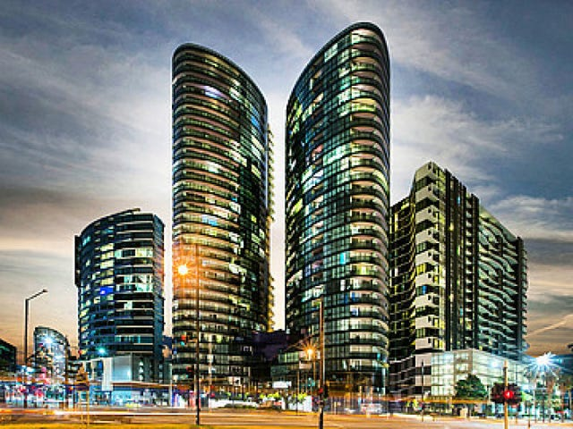 N1404/241 Harbour Esplanade, Docklands, Vic 3008