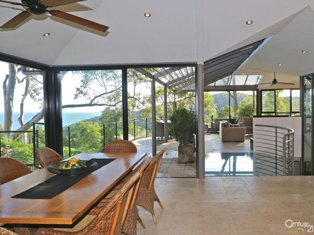 25 Bayview Road, Little Cove, Qld 4567