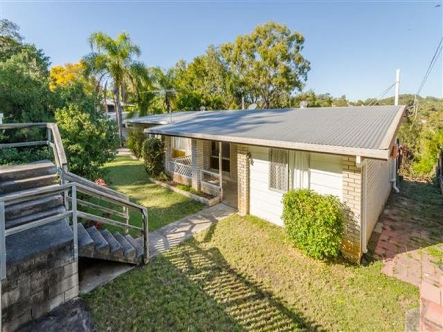 17 Hunter Street, West Gladstone, Qld 4680