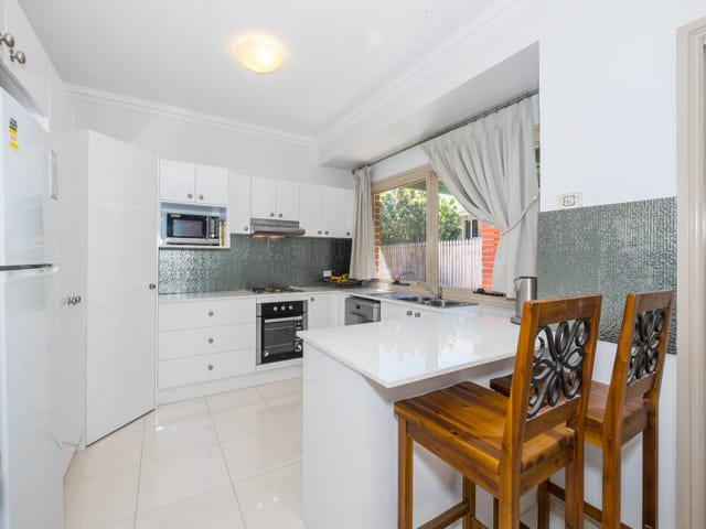 2 Trent Ct, Sandstone Point, Qld 4511