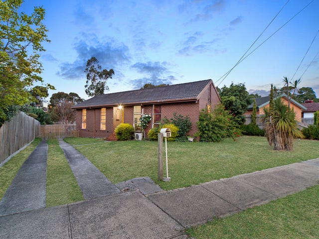 32 Greenvalley Crescent, Hampton Park, Vic 3976