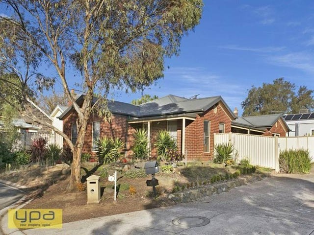 8 Hilltop Court, Sunbury, Vic 3429