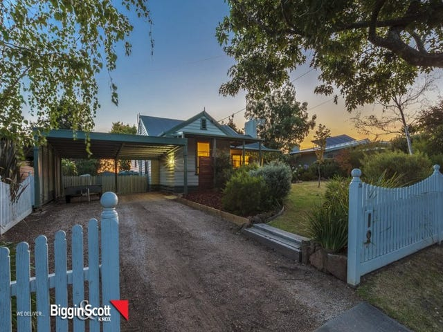 30 Griffiths Road, Upwey, Vic 3158