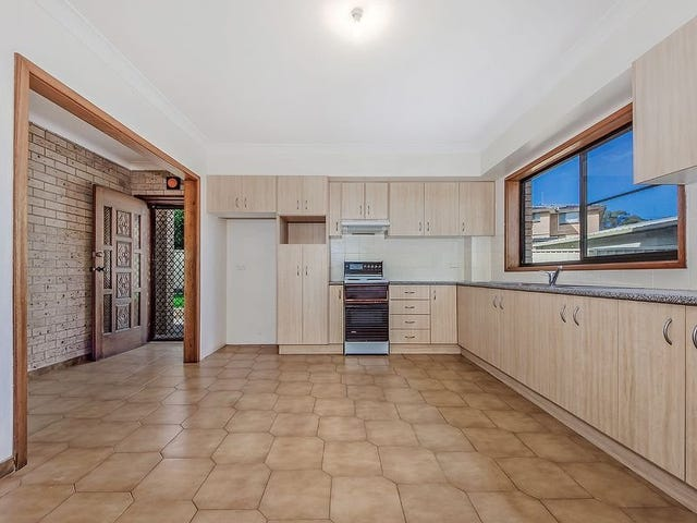 1/145 Lake Entrance Road, Barrack Heights, NSW 2528