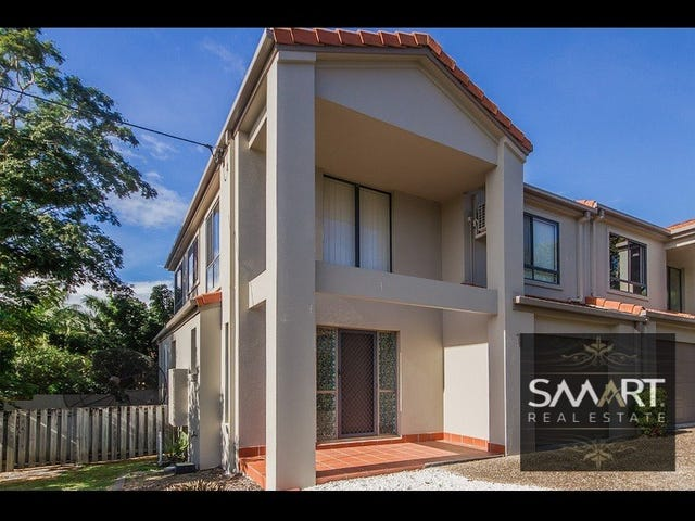 1/120 Pohlman Street, Southport, Qld 4215