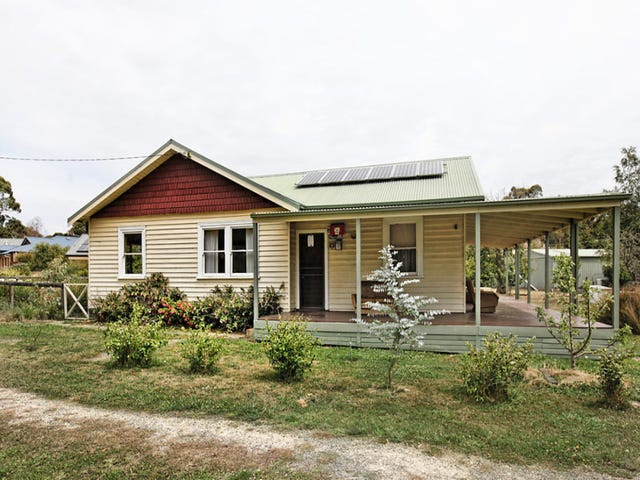 117 Quarry Road, Woodend, Vic 3442