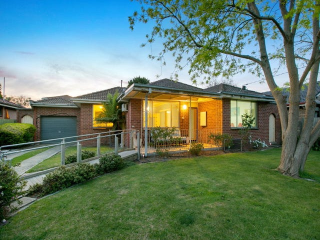 17 Downs Road, Seaford, Vic 3198