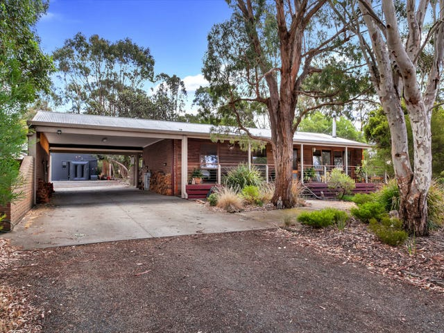 30 Inglewood Drive, Enfield, Vic 3352