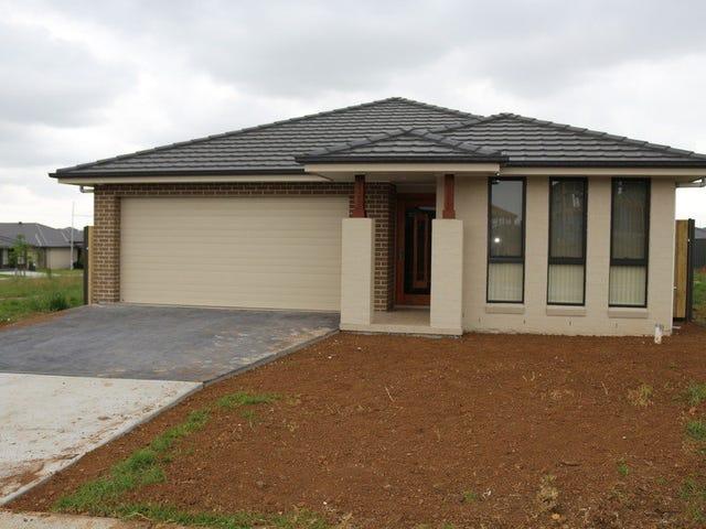 3 Bowe place, Oran Park, NSW 2570