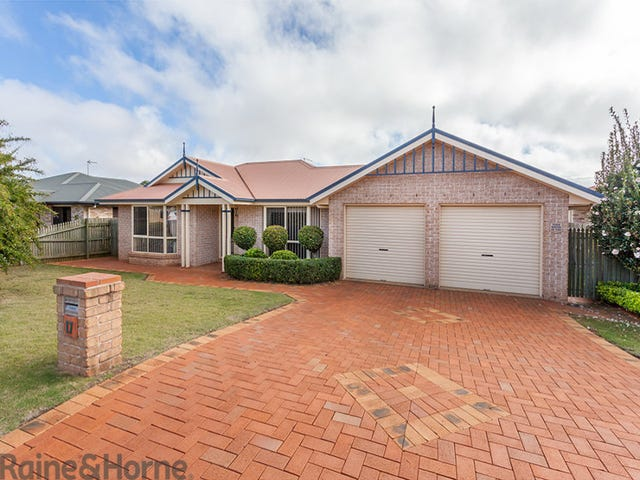 17 Prime Minister Drive, Middle Ridge, Qld 4350