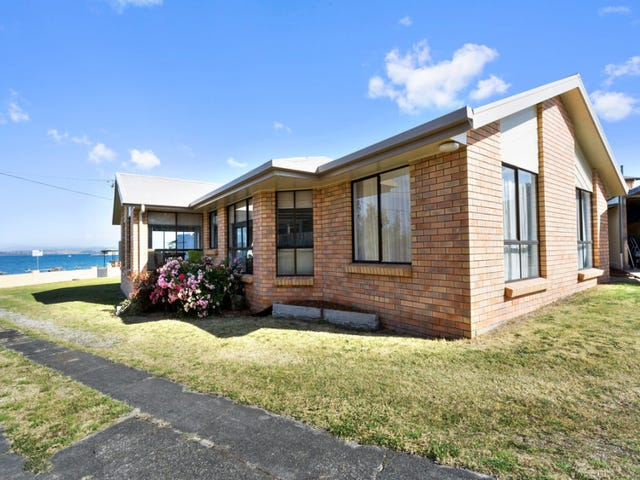 11 Esplanade, Beauty Point, Tas 7270
