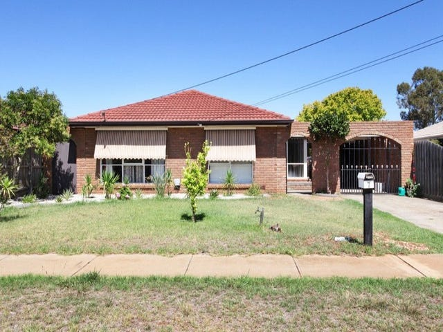 7 Wentworth Road, Melton South, Vic 3338