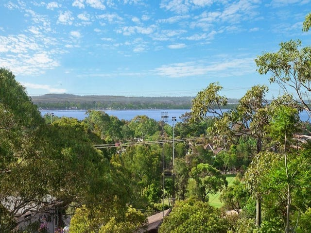 31 Hillside Drive, Berkeley Vale, NSW 2261