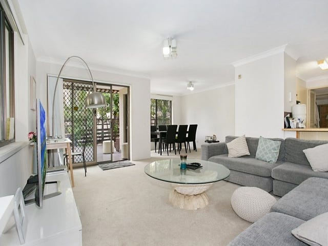 1/23 Federation Avenue, Broadbeach, Qld 4218