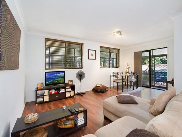 2/21 Second Avenue, Broadbeach, Qld 4218