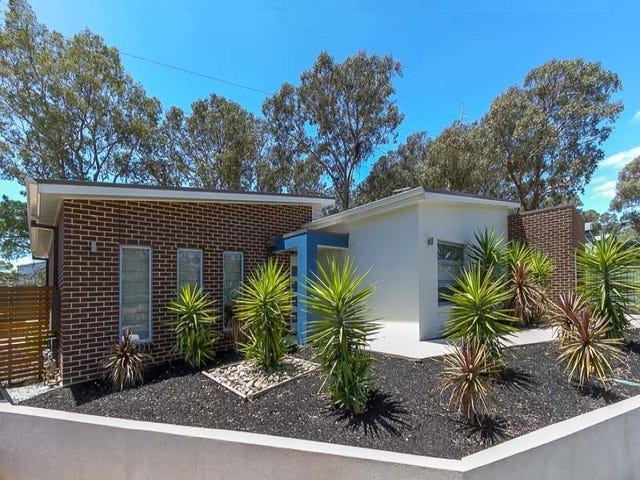4 Luke Place, Flora Hill, Vic 3550