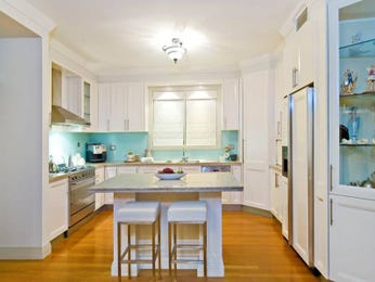 U shaped kitchen designs with island bench in white - U shaped kitchen designs with island ...