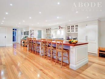 Frosted glass in a kitchen design from an Australian home - Kitchen Photo 7988665