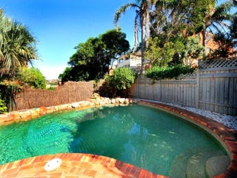 Landscaped pool design using slate with pool fence & latticework fence - Pool photo 479140