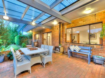 Outdoor living design with outdoor dining from a real Australian home - Outdoor Living photo 7313685