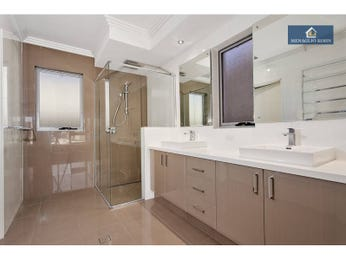 Modern bathroom design with twin basins using frameless glass - Bathroom Photo 902848